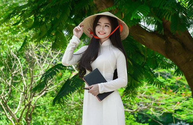 Quỳnh Trâm thướt tha trong tà áo trắng nữ sinh khi mùa phượng vĩ về -7
