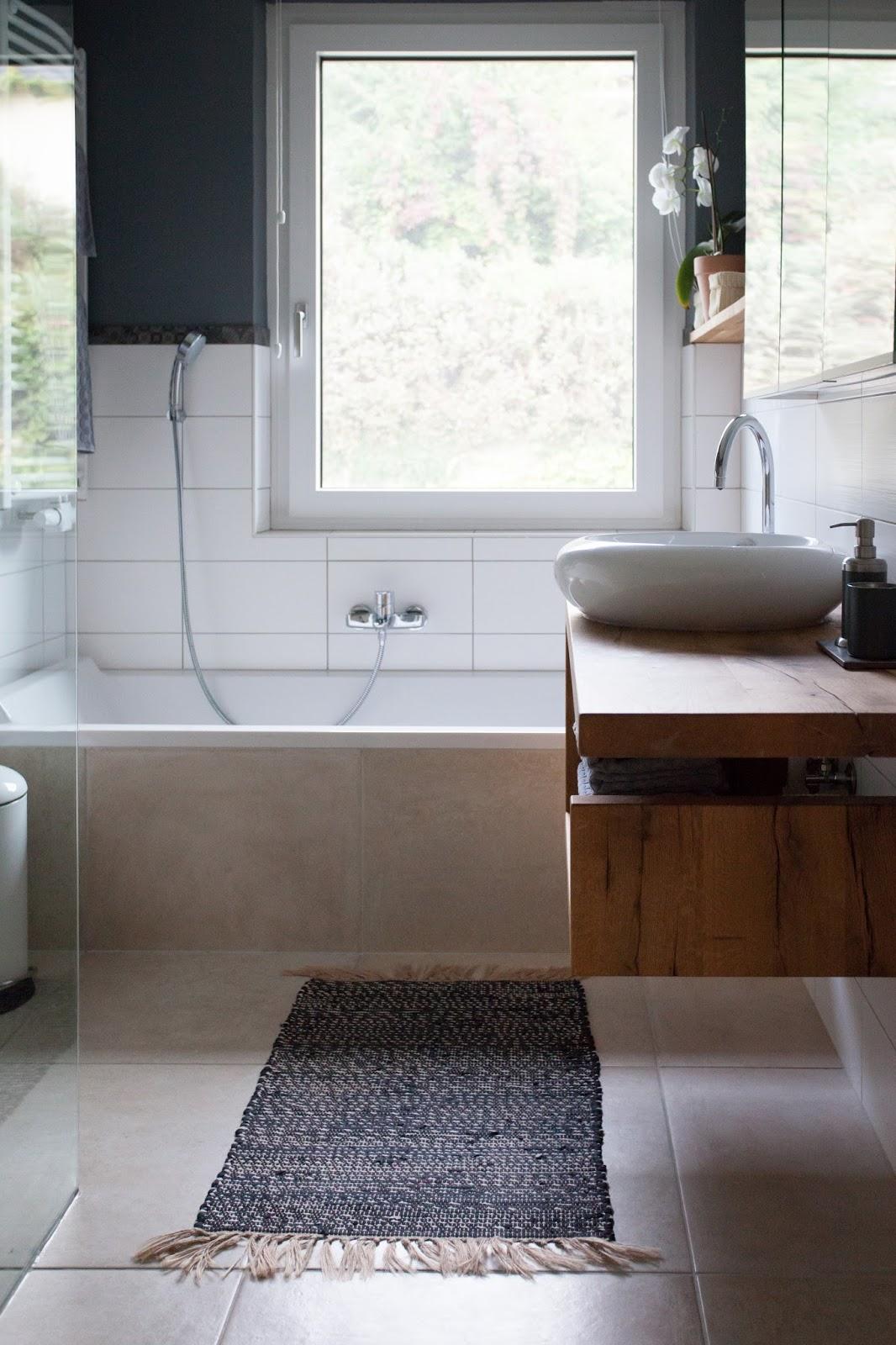 vorher nachher ein neues badezimmer um 4000 euro wohnprojekt wohnblog f r interior diy und. Black Bedroom Furniture Sets. Home Design Ideas