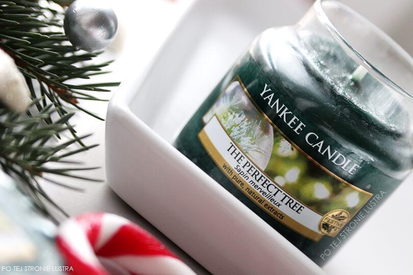 świeca yankee candle o zapachu choinki