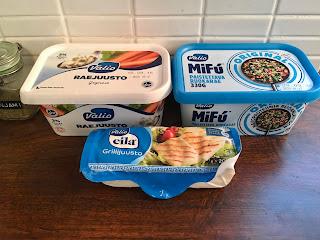 mifu, raejuusto ja grillijuusto yhteiskuvassa