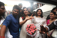 Samantha Ruth Prabhu Smiling Beauty in White Dress Launches VCare Clinic 15 June 2017 092.JPG