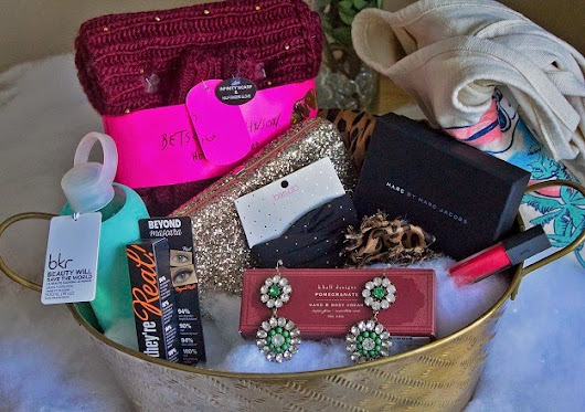 Windy City Bloggers Gift Basket Giveaway