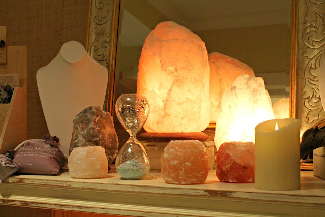 The resort's continuing theme of salt and the sea is carried on throughout the Ritz-Carlton's spa thanks to softly glowing Himalayan salt lamps, luxurious salt scrubs, and even a hot salt stone massage.