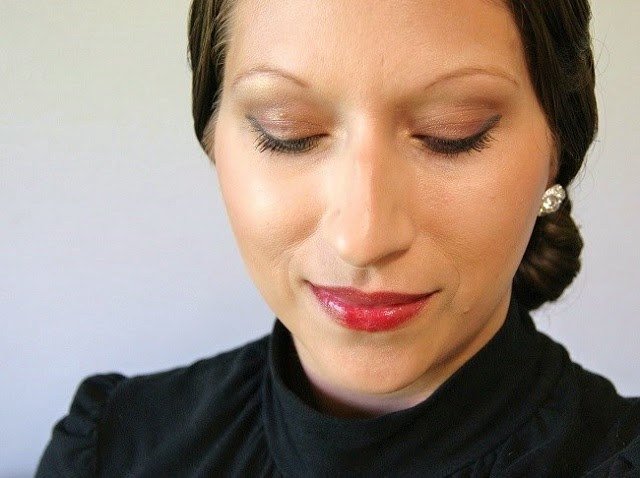 On weekend dates with my fiance, I take the time to carefully apply liquid liner and my favorite lipstick, but for a quicker glam look during the week, ...