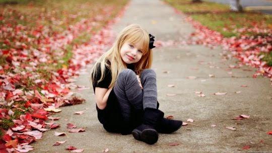 Gambar anak kecil perempuan tersenyum cantik banget