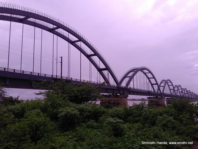 the bridges across river godavari rajahmundry enidhi