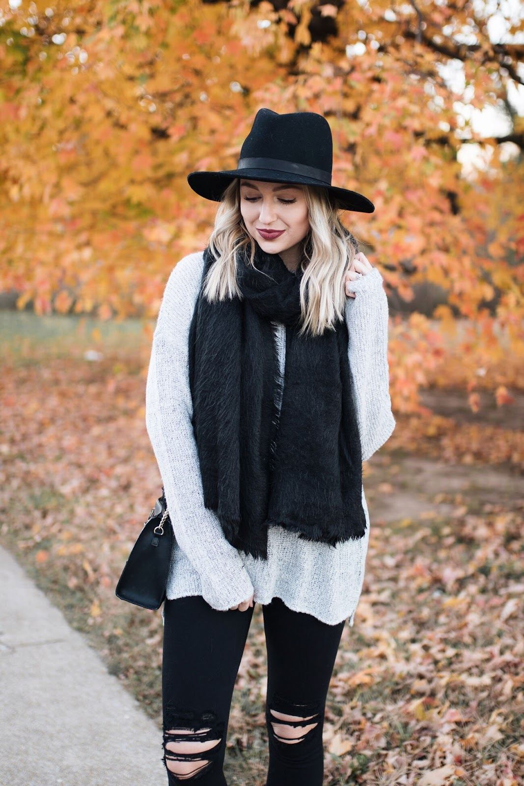 Cozy neutral fall outfit