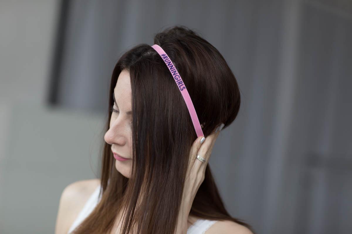 Как лучше растут волосы распущенные или нет