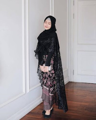 Kebaya Cape Rose