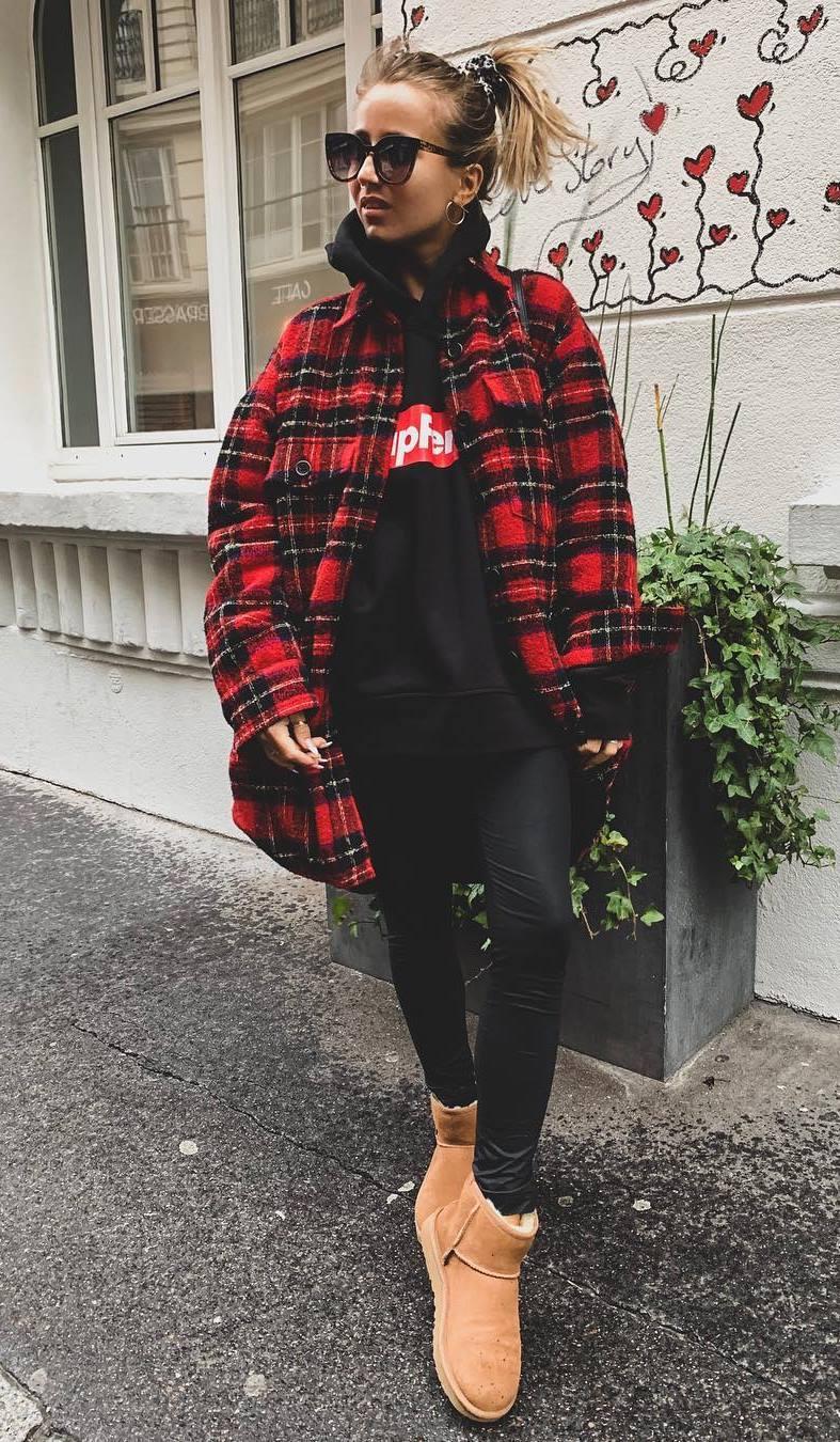 winter casual outfit inspiration / plaid shirt + sweatshirt + leggings + boots