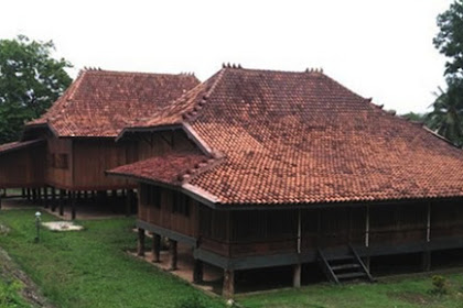 Rumah Adat Sumatera Selatan (Palembang)