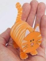 http://manualidadesparaninos.biz/gato-con-rollo-de-papel-higienico/