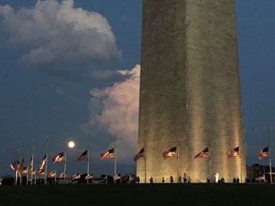 full moon washington monument