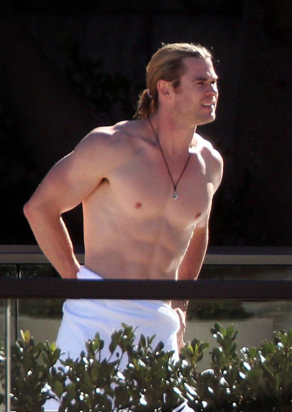 "The Last Reel: Chris Hemsworth & Charlie Day ""Vacation ..."