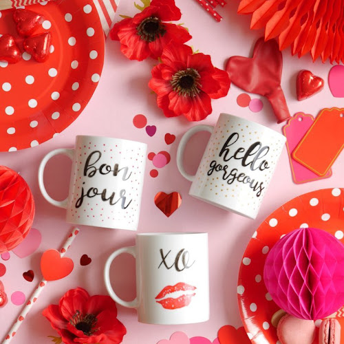 DIY Valentineu0027s Day Easy Calligraphy Mugs