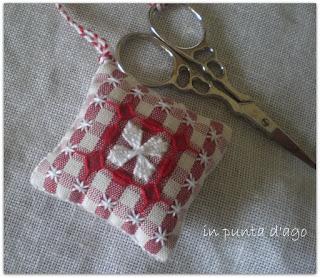 http://silviainpuntadago.blogspot.com/2011/01/broderie-suisse-per-festeggiare-la-mia.html