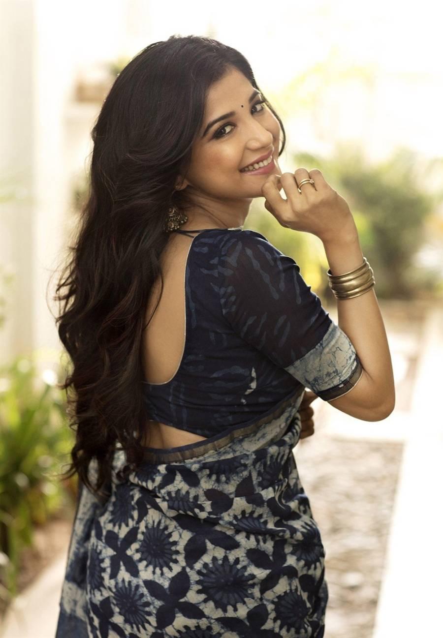 Beautiful Indian Girl Sakshi Agarwal Hot Photoshoot