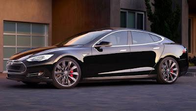 Tesla Fires Back After Fatal Model S Autopilot Crash