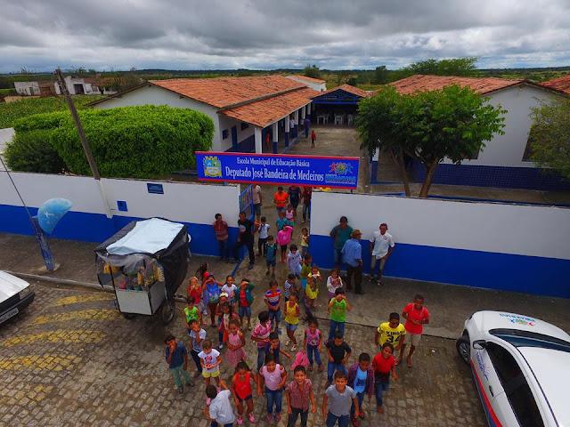 Prefeitura de Piranhas avança na educação e entrega mais uma escola reformada