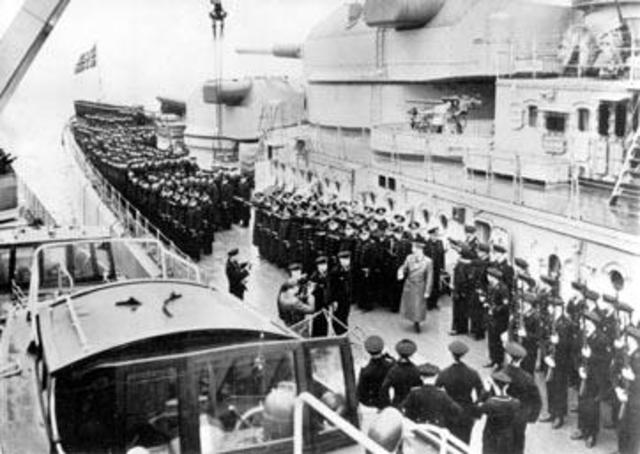 Hitler Gdynia Gotenhafen Bismarck 5 May 1941 worldwartwo.filminspector.com