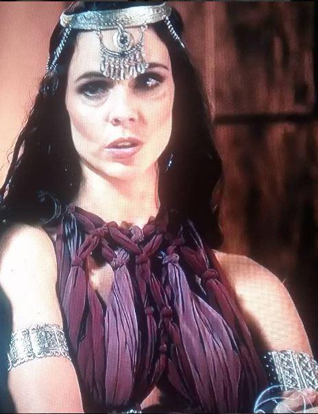 Raabe (Mirian Freeland) A Terra prometida, bracelete