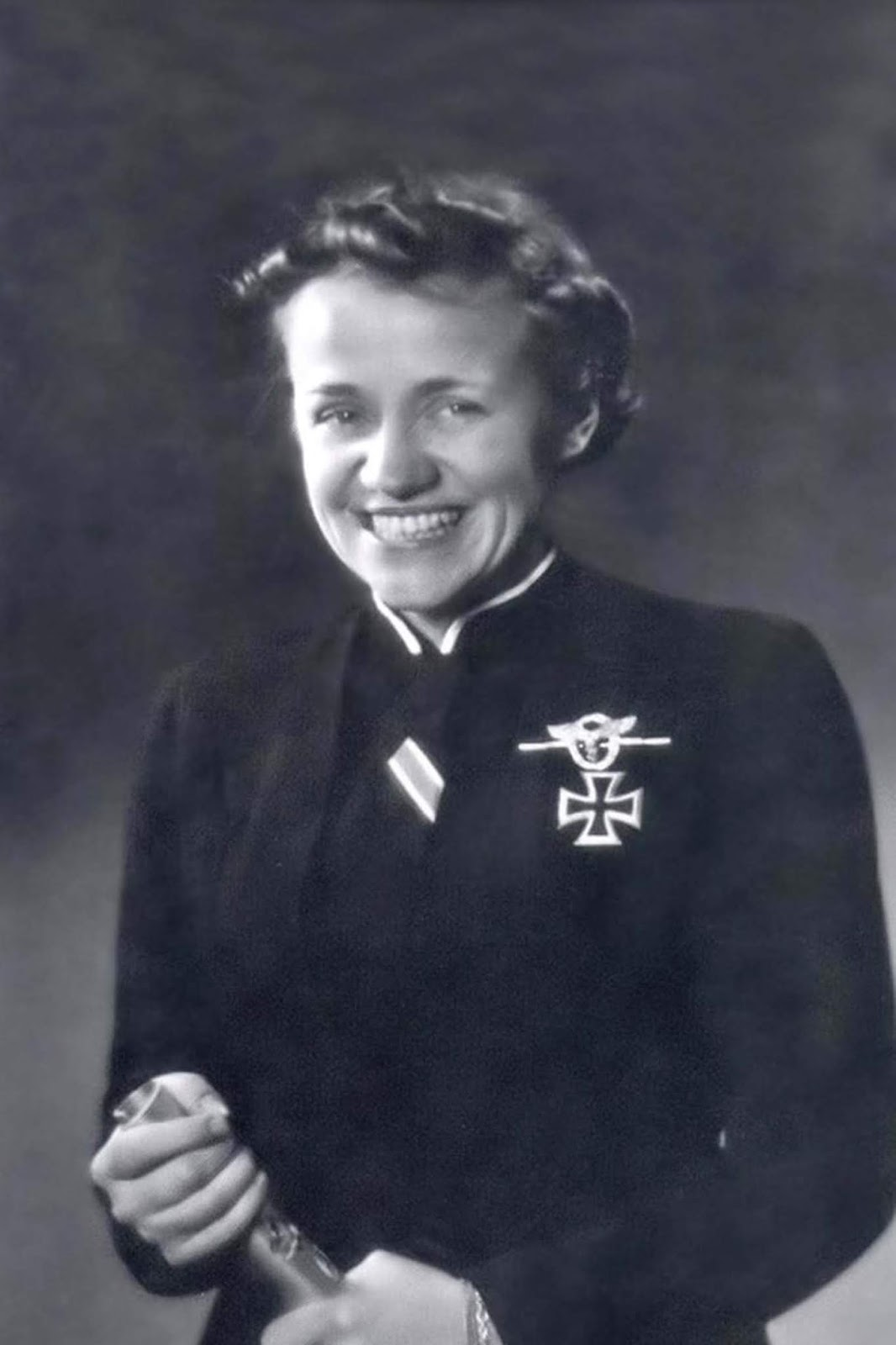 Hanna Reitsch, a famous German test pilot, isn't really wearing anything special, but that 1000-megawatt smile puts her in the high-fashion league all by itself.