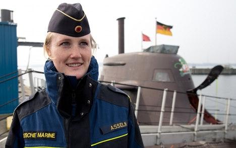 submarine matters janine asseln first female submarine officer in