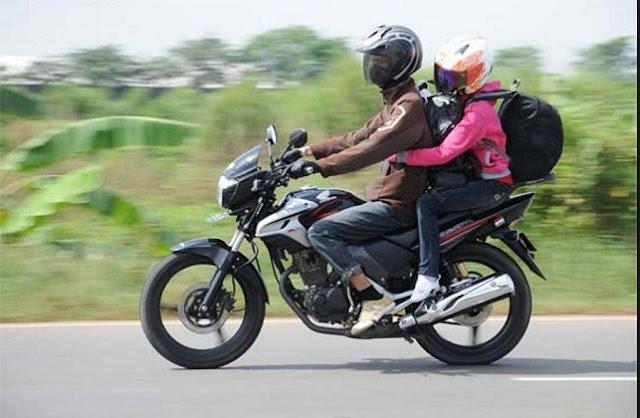 traveling motor