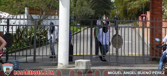 Encapuchados se tomaron la Unipamplona | Rosarienses, Villa del Rosario