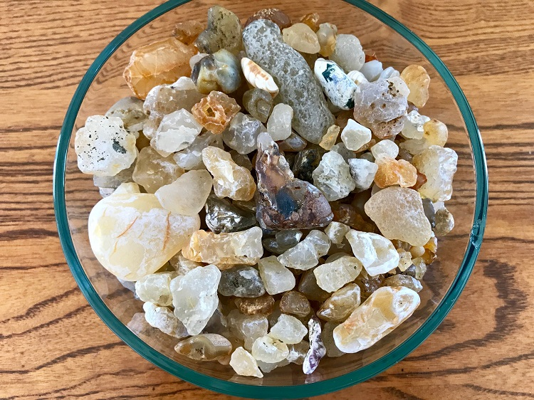 Oregon Coast agates, best places to find agates in Oregon, best agate beaches in Oregon Oregon agates