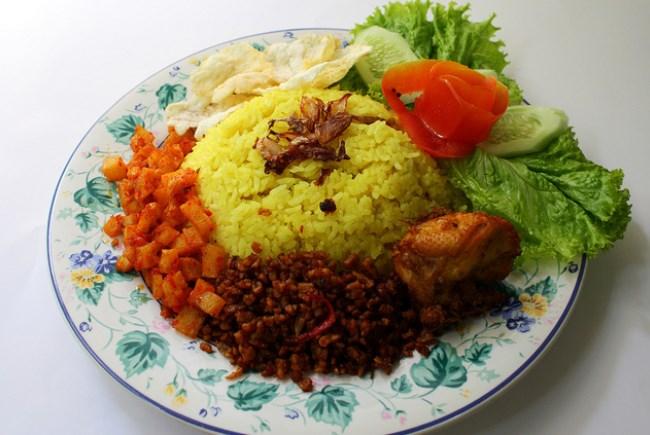 Nasi Kuning Peluang Usaha Rumahan Yang Menguntungkan ...