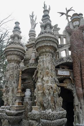 drôme hauterives palais idéal facteur cheval détail façade est trois géants