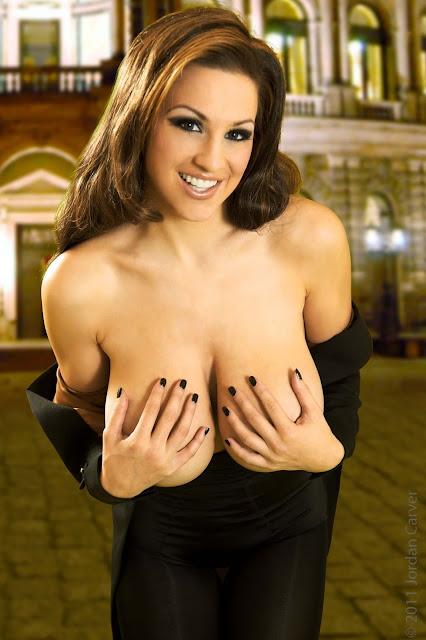 Jordan-Carver-Manege-sexy-photoshoot-hd-hot-image-6