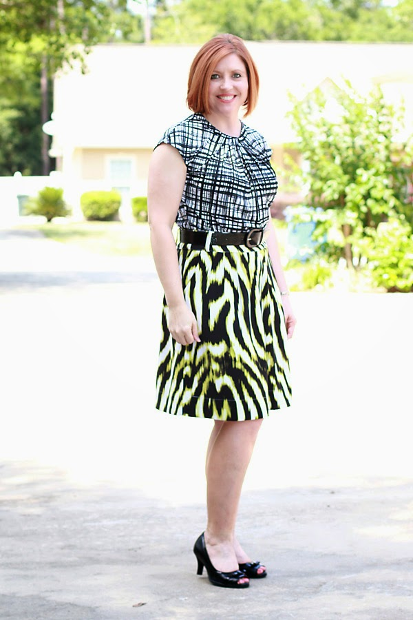 pattern mixing outfit, graphic prints, skirt outfit