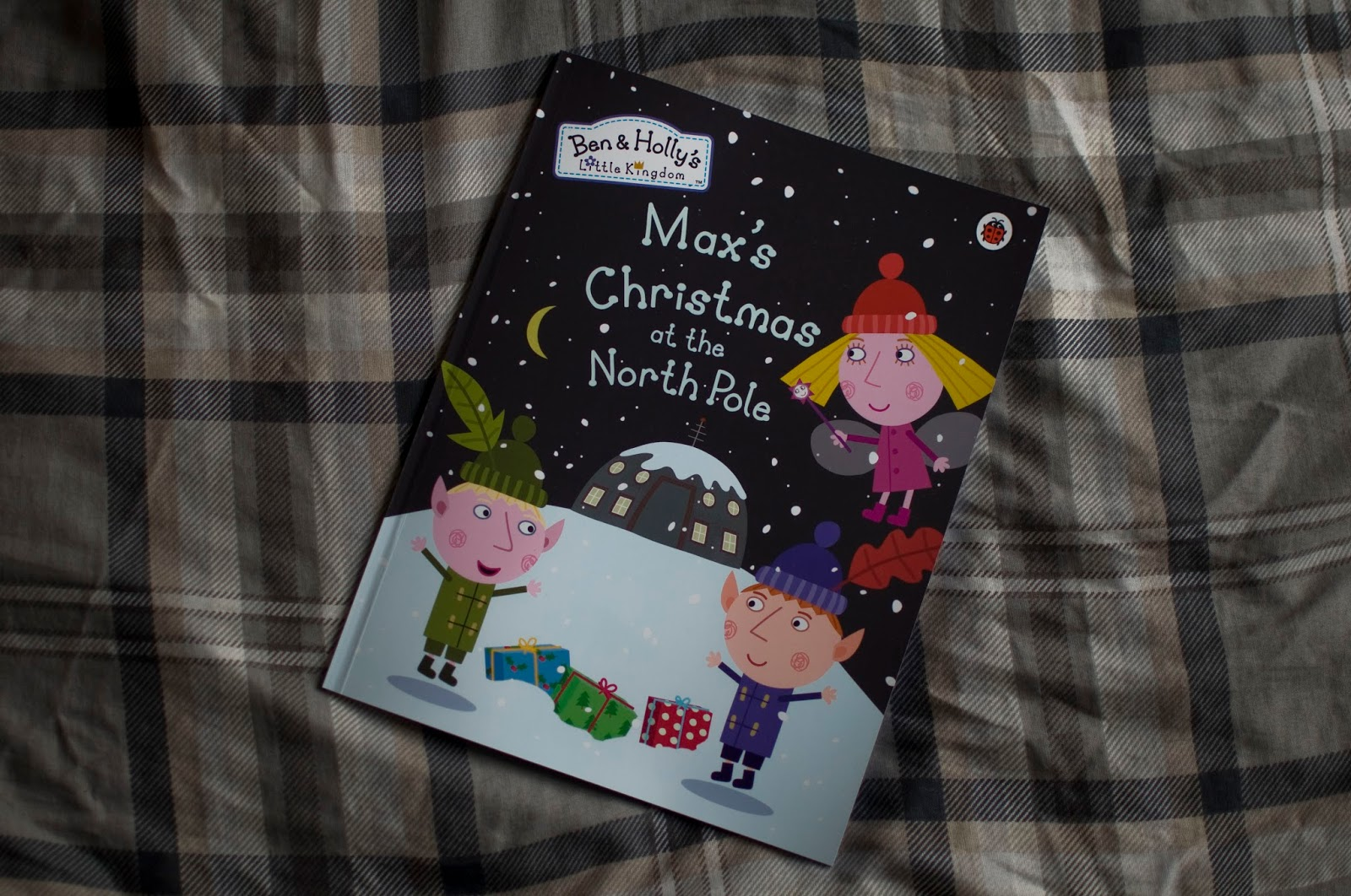 are a fab company that create personalised books for children that feature famous faces such as peppa frozen the snowman and of course ben holly - Ben And Holly Christmas