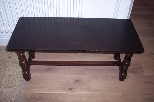 Paint and Style: Coffee table turned bedroom bench...