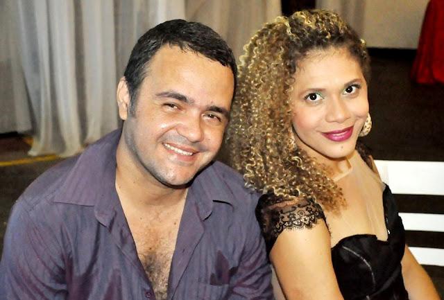 Silvano Gonzaga e Carla Valleria, atrações da Cabana do Tempo na AABB de Itabuna
