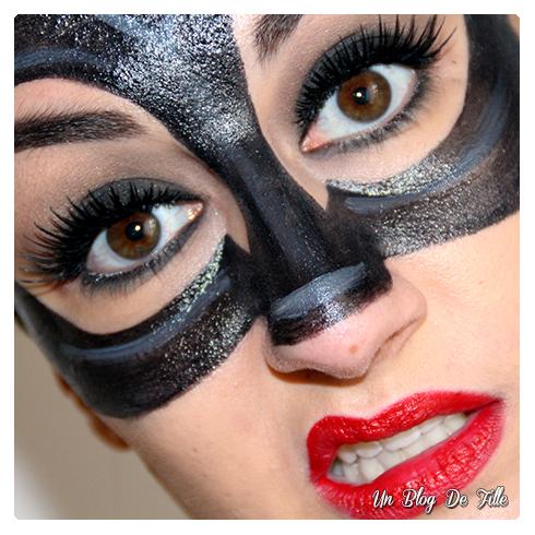 http://unblogdefille.blogspot.com/2014/03/smuf-super-heros-catwoman-makeup_2081.html