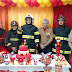Bombeiros fazem surpresa em aniversário de garoto que sonha ser herói e salvar vidas