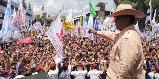 Prabowo di Kampanye Akbar: Bung, Kita Butuh Pekerjaan Bukan Kartu
