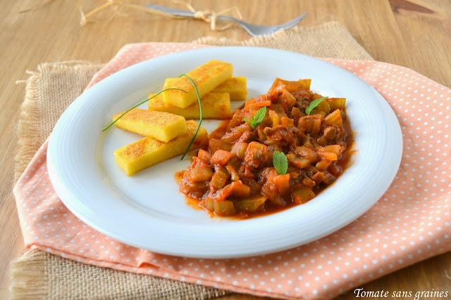 Côtes de blettes à la sauce tomate et frites de polenta
