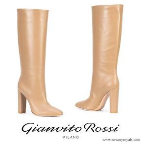 Queen Maxima wore GIANVITO ROSSI slouchy heel boots