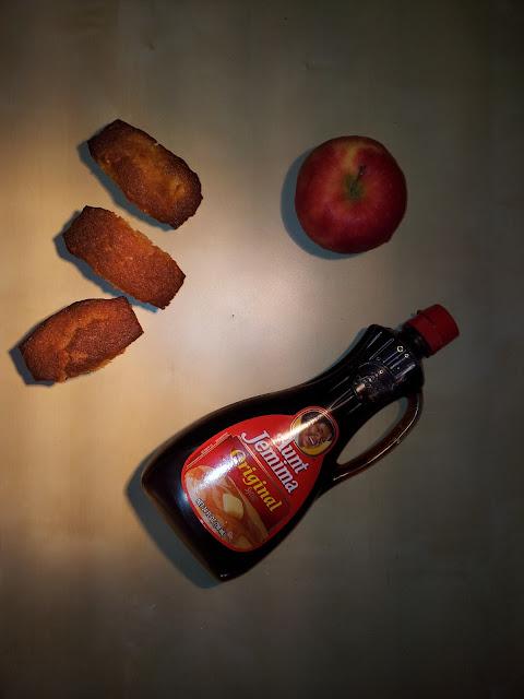 Cake aux pommes, sirop d'érable et noix de cajou