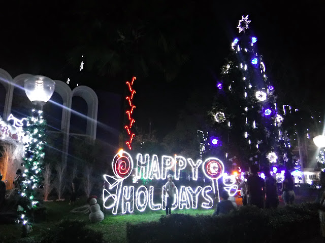 It's a white Christmas at South Cotabato Provincial Capitol