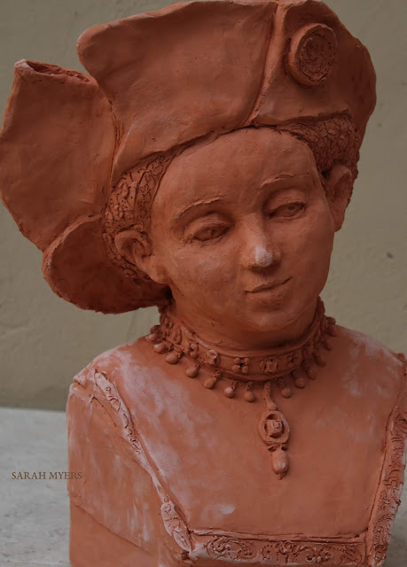 art, sculpture, sarah, myers, arte, escultura, design, contemporary, modern, lucas, cranach, woman, face, head, figurative, renaissance, hat, terracotta, ceramic, ceramica, jewellery, velvet, portrait, retrato, embroidery, pearls, expression, details, red, clay, young, lady, rich, close-up, eyes, jewels