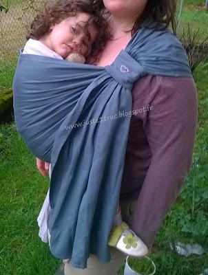 sling LLA Ling Ling d'amour daïcaling eucalyptus portage porter épaule tissu écharpe