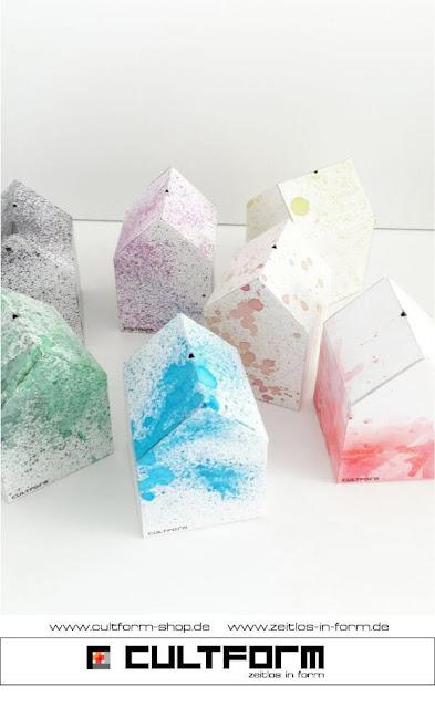 Die Hausbox von Cultform. Ein eindrucksvolles und doch einfaches DIY: kleine Geschenke individuell modern verpacken im aktuellen Watercolor-Trend: verschiedene Hausboxvarianten, Blau, Rot, Schwarz, Grün, Orange, Gelb