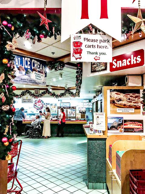 Bronner's Christmas Store