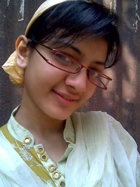 Candid college pakistani girls
