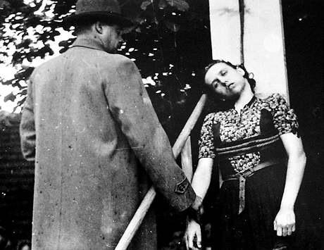 nazi female torture